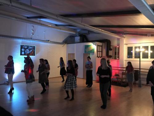 Tanssinopetus - Ohjelmalliset tanssi-iltamat